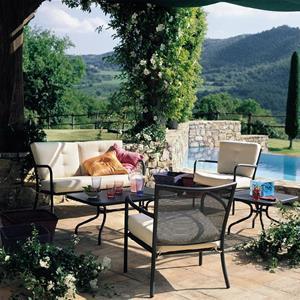 Arredo giardino EMU: eleganza e qualità per il tuo spazio esterno ...
